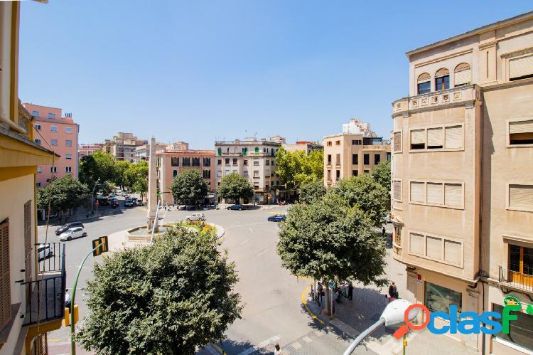 Se vende piso de tres habitaciones en zona Arxiduc.Palma