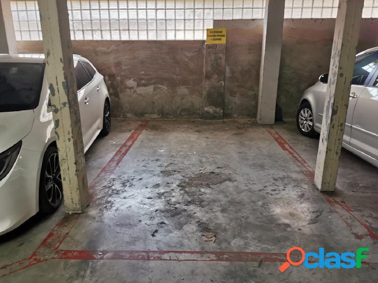 Se vende plaza de parking en via Alemania