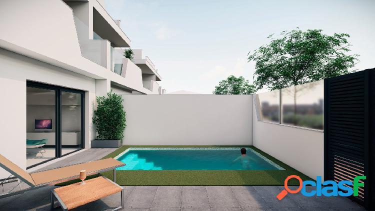 Villa de 3 dormitorios con piscina privada en Santiago de la