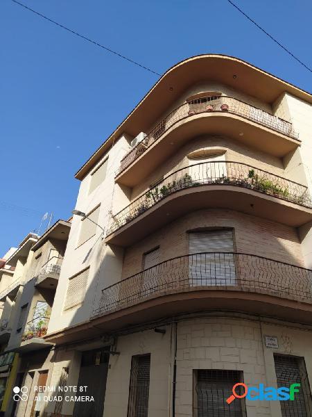 M-8579 Se vende piso de tres habitaciones en Oliva