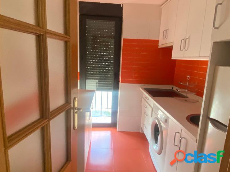 piso de dos dormitorios con plaza de garaje en Tielmes