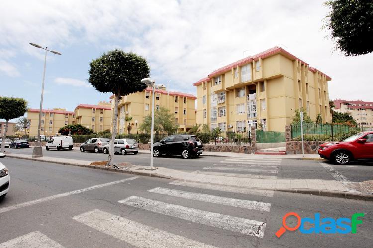 Maspalomas, Se vende piso de 3 dormitorios con parking.