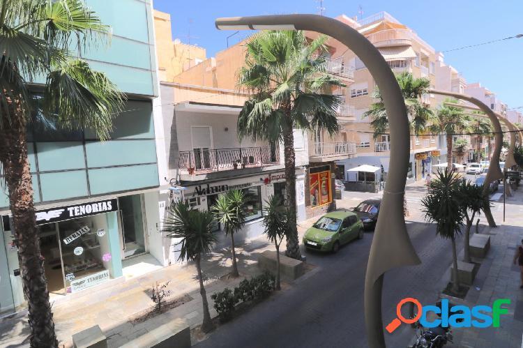 Apartamento Centro junto Ayuntamiento 3 dormitorios a 300