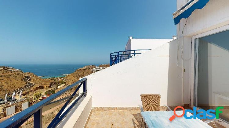 Se vende apartamento en esquina con bonitas vistas al mar