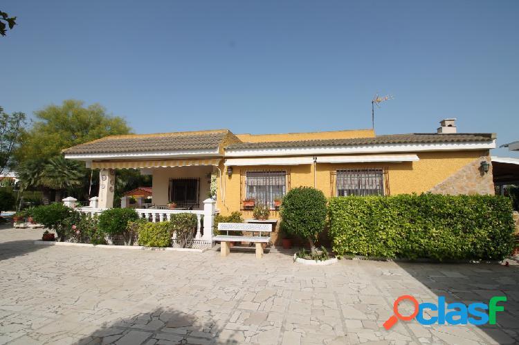 Villa rústica en venta en La M