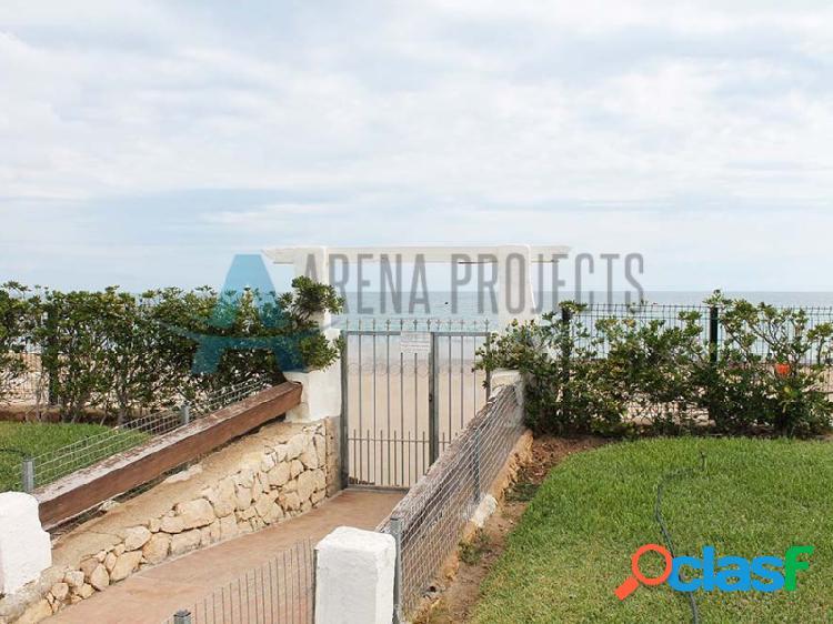 Apartamento en venta en primera linea de la playa de Las