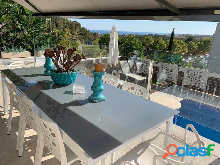 Casa independiente con Piscina y vistas