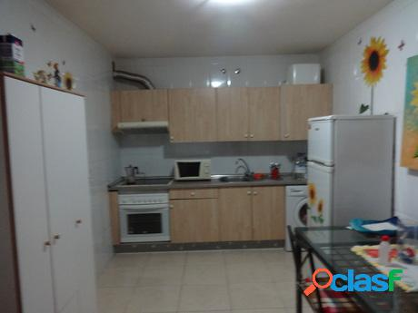 Se alquila piso céntrico de 1 dormitorio en Adeje.
