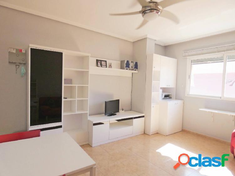 Se vende precioso apartamento en Barrio del Carmen