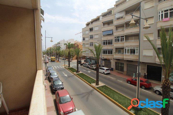 Apartamento de 2 dormitorios y 1 baño en zona Habaneras