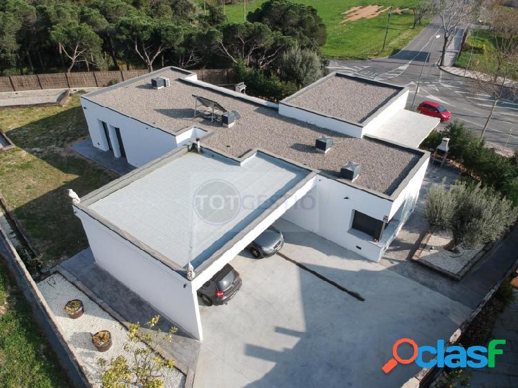 Casa en venta de nueva construcción en Castell d'Aro