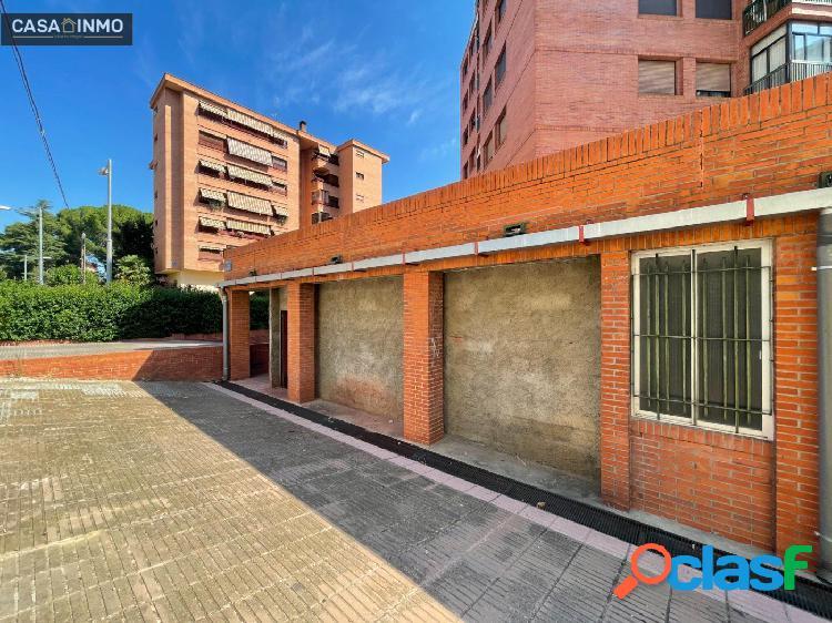 Se alquila local comercial zona de La Paz en Barbastro.