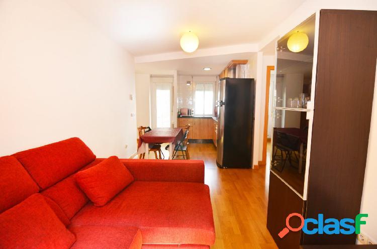 Urbis te ofrece un piso en alquiler en la zona de El Rollo,