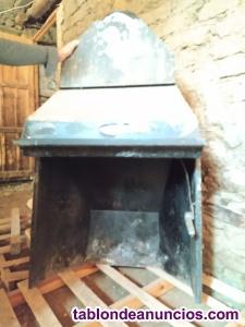 Vendo armazón metálico de chimenea con poco uso