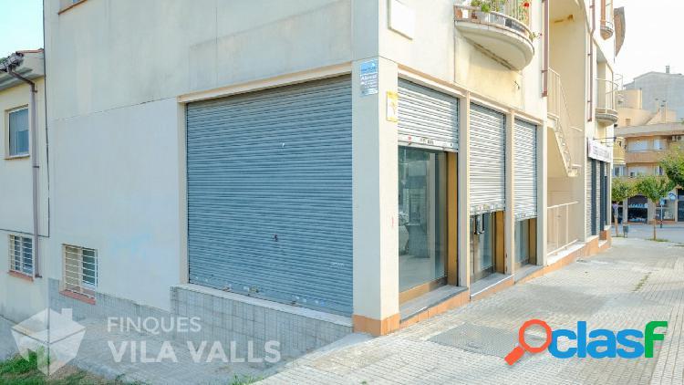 Local comercial zona Institut. 60 m2 en planta baixa i 60 m2