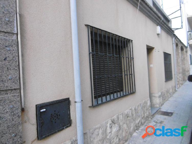 Casa en Tortosa zona Sant Llatzer, con una superficie de