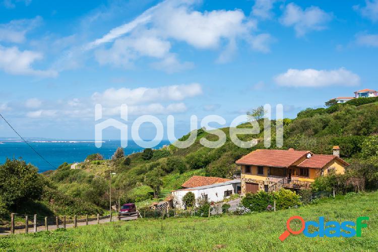 Casa en venta de 330 m² en Camino Rehogado, 33203 Gijón