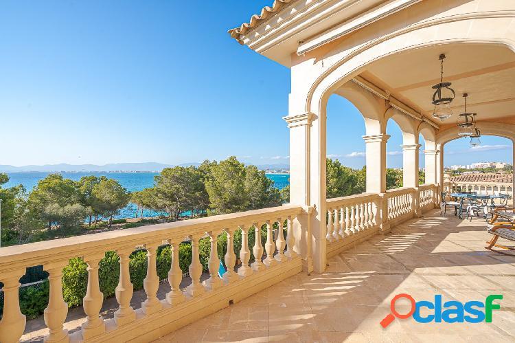 Espectacular Villa a primera línea de mar