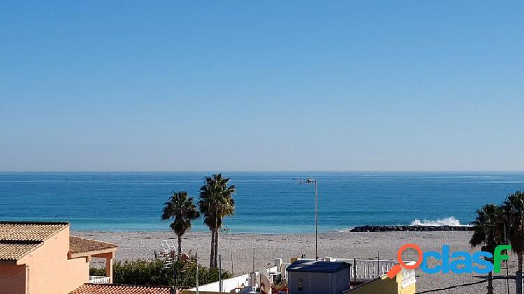 ¡Estupendo apartamento de playa para vivir todo el año!