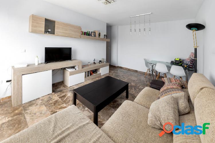 Estupendo piso en Láchar