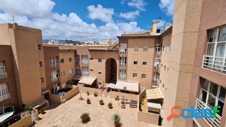 Piso de 2 habitaciones con plaza de garaje zona Puerto