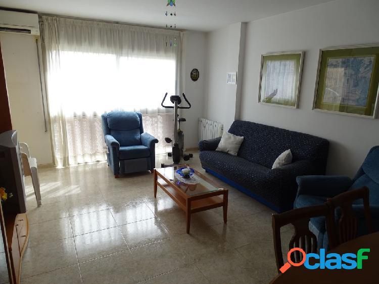 Piso de 98 m2 de 3 dormitorios con vistas al mar y a la