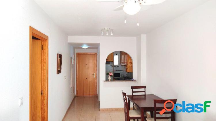 Piso en alquiler en calle San Еmigdio, Torrevieja