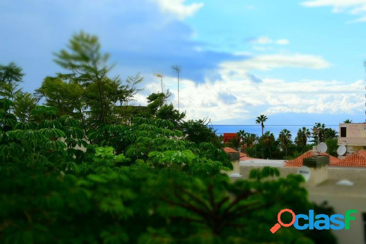 Se vende banito apartamento en Playa de Las Américas a 500m