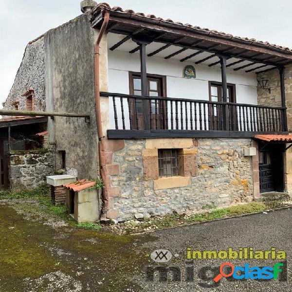 Se vende casa de piedra para reformar con terreno en Ruiloba