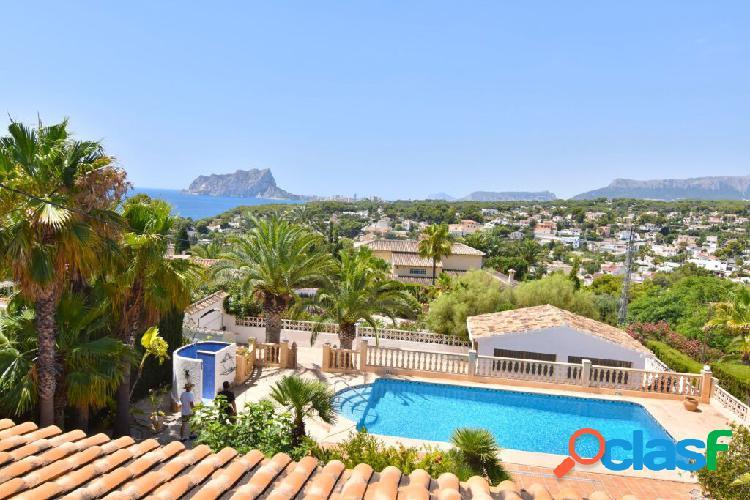 Villa con 3 dormitorios y 3 baños en Benissa