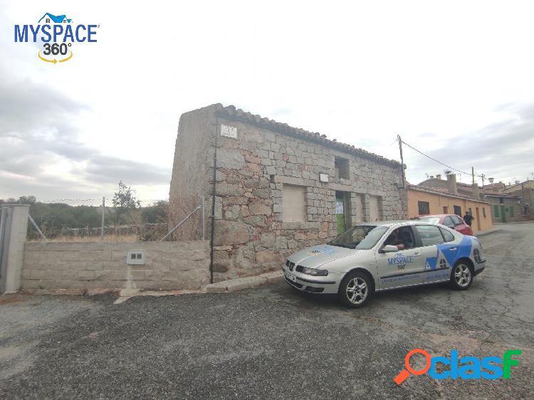 Casa De Piedra Para Reformar en Navalperal De Pinares,