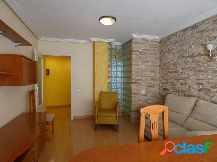 Se alquila bonito piso con plaza de garaje en Alcantarilla