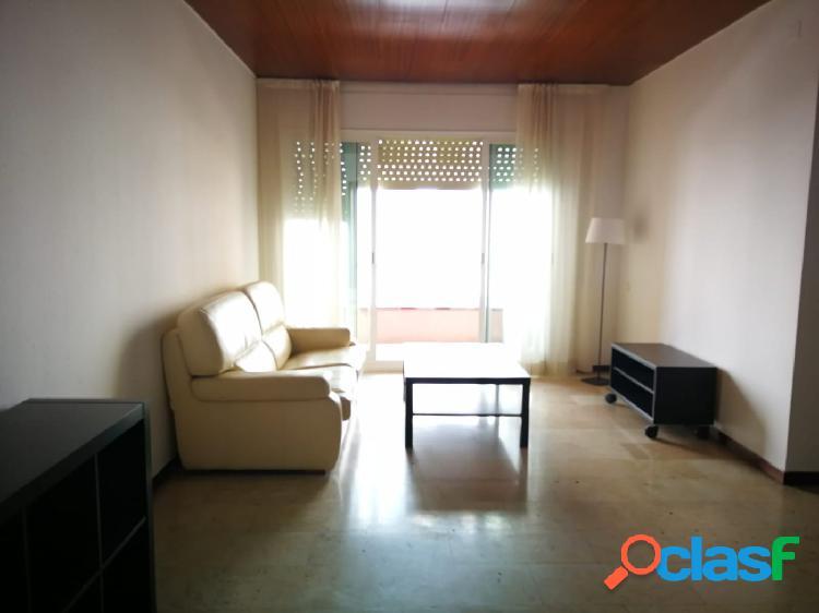 Soleado piso de 3 habitaciones, 2 terrazas y parking