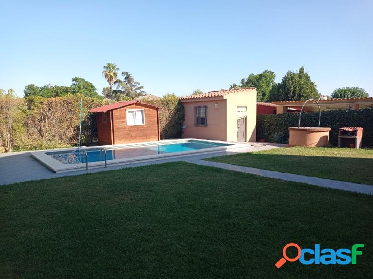 Magnífico chalet independiente con piscina en Valencina