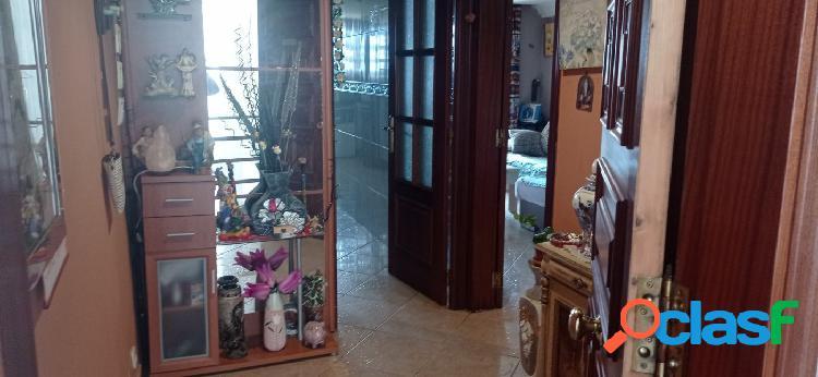 Piso de 3 habitaciones dobles, reformado, en Constantí.