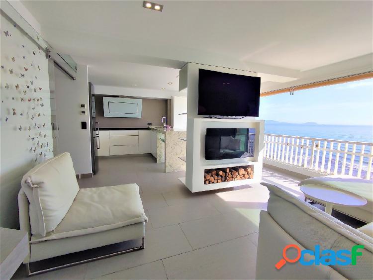 Piso en Alicante. San Juan Playa. Vistas al mar.