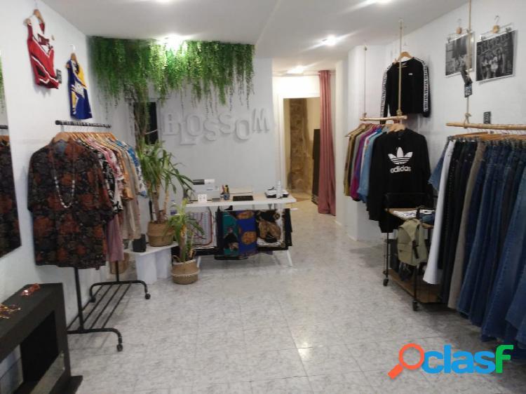 Local comercial en la calle Músico Padilla