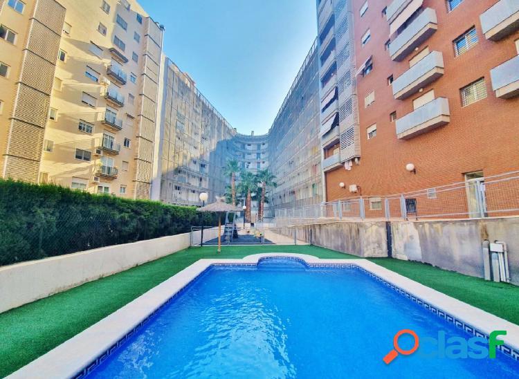 Fabuloso piso todo exterior y muy luminoso con urbanización