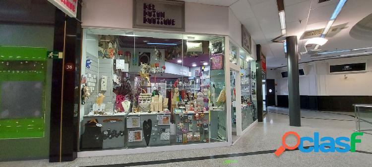 Local perfecto para tienda o despacho, clínica o almacén -