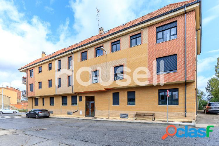 Piso en venta de 102 m² en Calle Iglesia, 24195