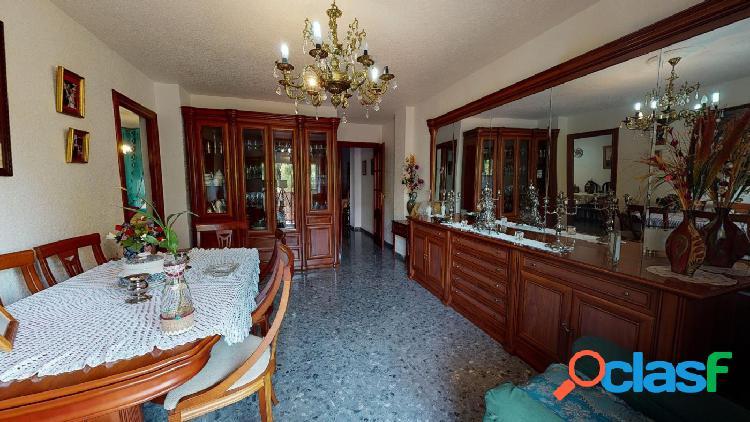 Espectacular piso en venta en la zona de Carlos III