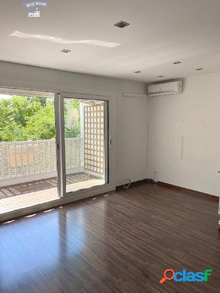 Estupendo piso, muy bien ubicado en zona Serraparera Av.