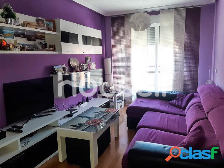 Piso en venta de 75 m² Calle Escuelas Viejas, 37006