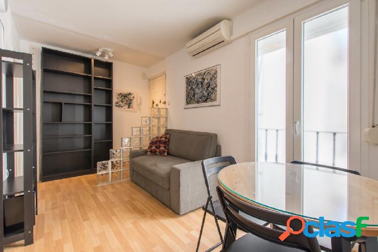 Céntrico piso de dos habitaciones en Fuencarral