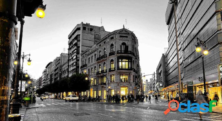 Gran vivienda en calle Colón