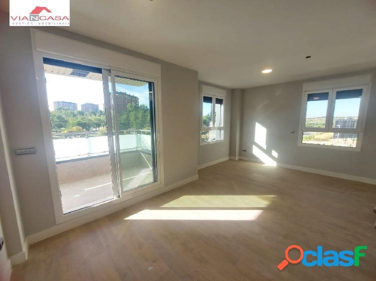 Alquiler de Estupendo piso Nuevo en la zona de Arroyo del