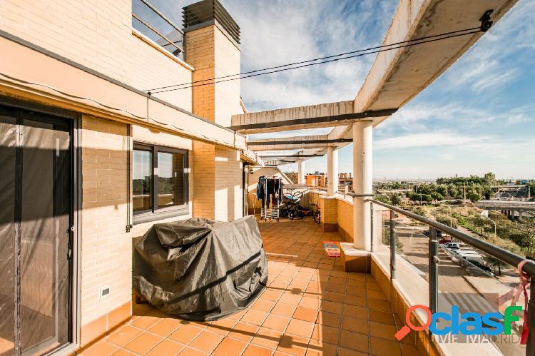 ESTUDIO HOME MADRID OFRECE ático de 118 m2 en urbanización