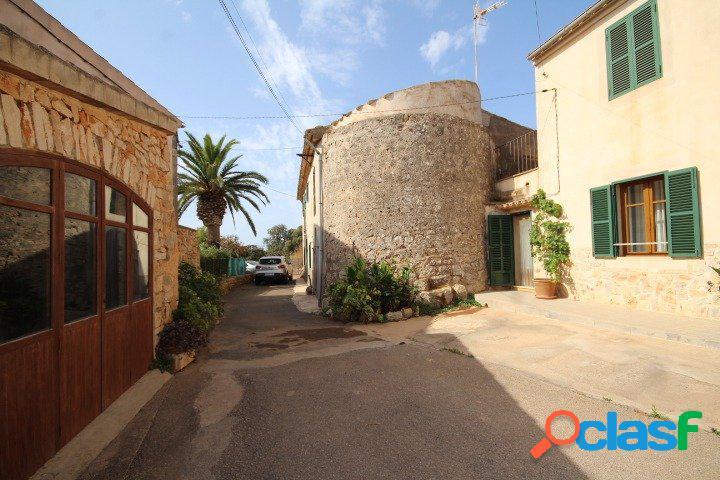 Gran casa en el pueblo de S'horta (Felanitx) para reformar,