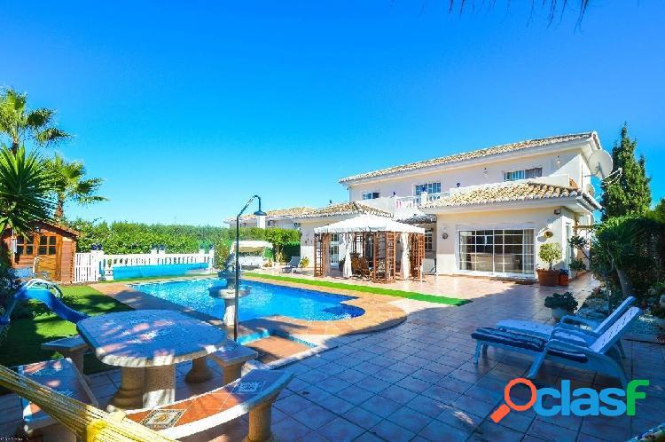 Preciosa Villa situada en una urbanización muy tranquila y