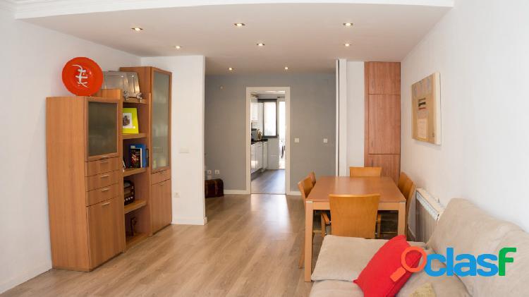 Se vende piso en Puerto de Sagunto, de 3 dormitorios.